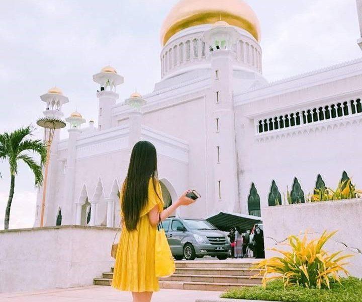 """""""Brunei là một quốc gia yên bình nhất mà mình từng đi, không xô bồ, người dân rất dễ thương và thân thiện."""" – Yến Nhi tâm sự về quốc gia Hồi giáo."""