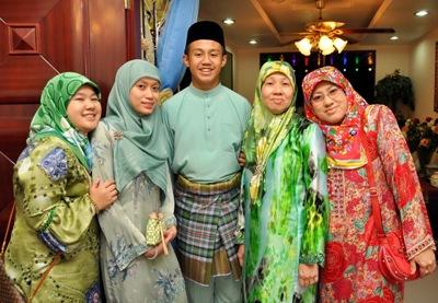 Những bộ trang phục truyền thống ở Brunei