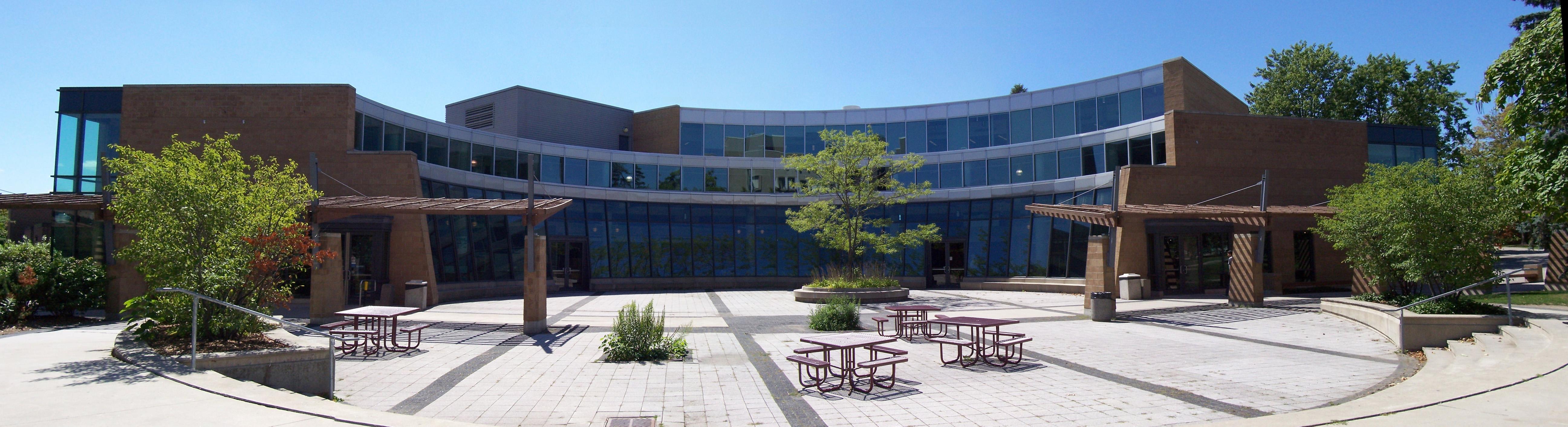 Du học Canada tại Đại học Waterloo