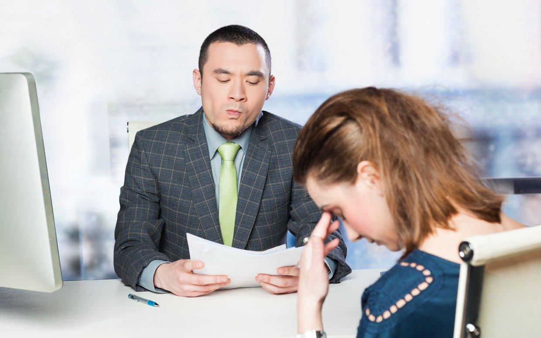 Thí sinh thất vọng vị sự thể hiện của mình trong buổi phỏng vấn xin visa du học Mỹ