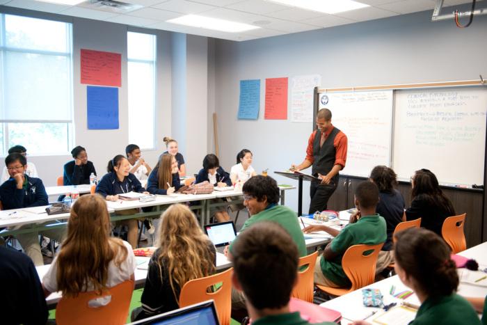 khung cảnh một lớp giảng đường ở Mỹ