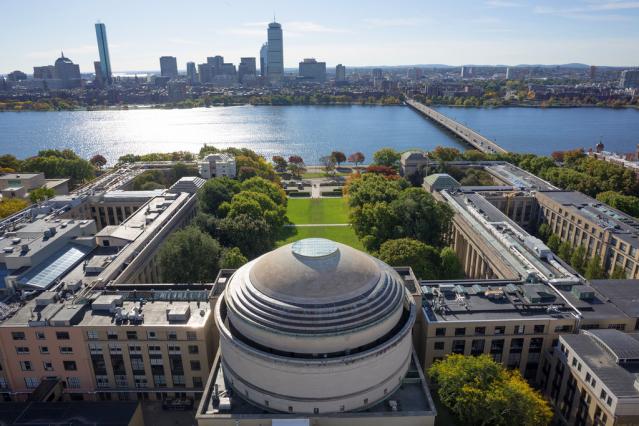 Massachusetts Institute of Technology (MIT) nhìn từ trên cao
