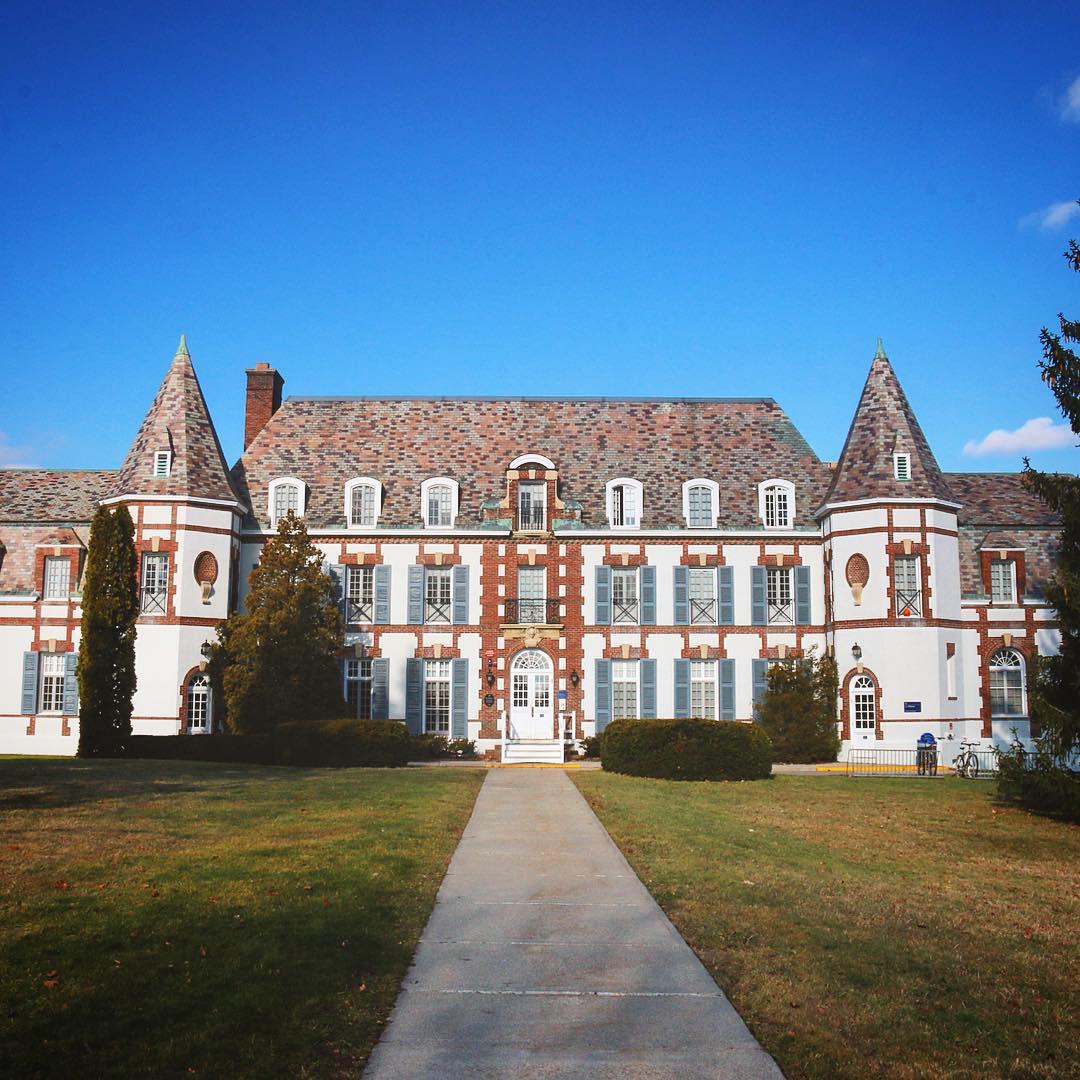 Chính diện trường Middlebury College in Vermont