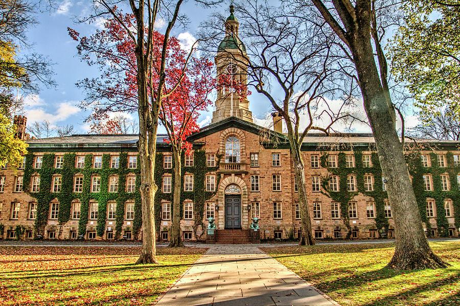 """Vẻ đẹp rất """"thiên nhiên"""" của Princeton University in New Jersey"""