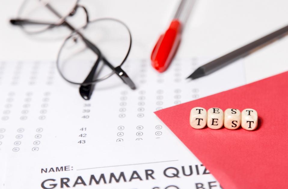 Phải đạt điểm IELTS hay TOEFL iBT đúng chuẩn tiếng Anh