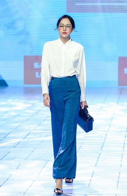 Trang phục công sở nữ được làm từ vải dệt nano