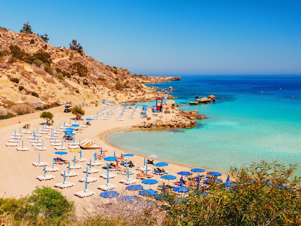 3. CH Cyprus (Síp) - Quốc tịch giá từ 1,5 triệu euro (1,74 triệu USD)