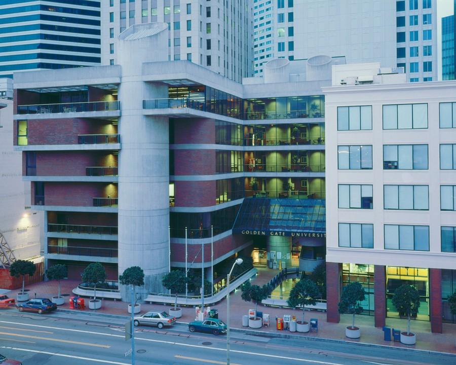 Khóa học Thạc sỹ tại Golden Gate là sự kết hợp giữa lý thuyết và thực tế quản lý