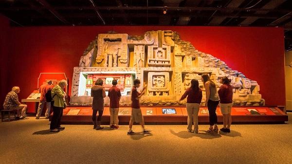 Mô hình trưng bày về văn hóa Hindu tại Bảo tàng Khoa học Boston