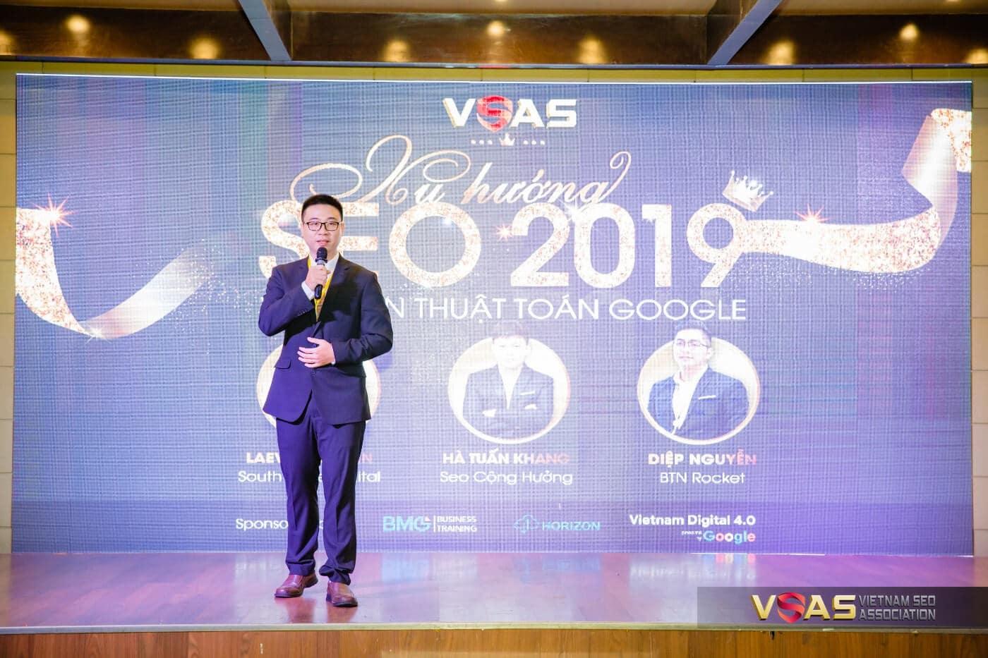 Laevis Nguyễn Laevis Nguyễn trình bày nội dung tại buổi SEO 2019 – Vén màn thuật tuán Google